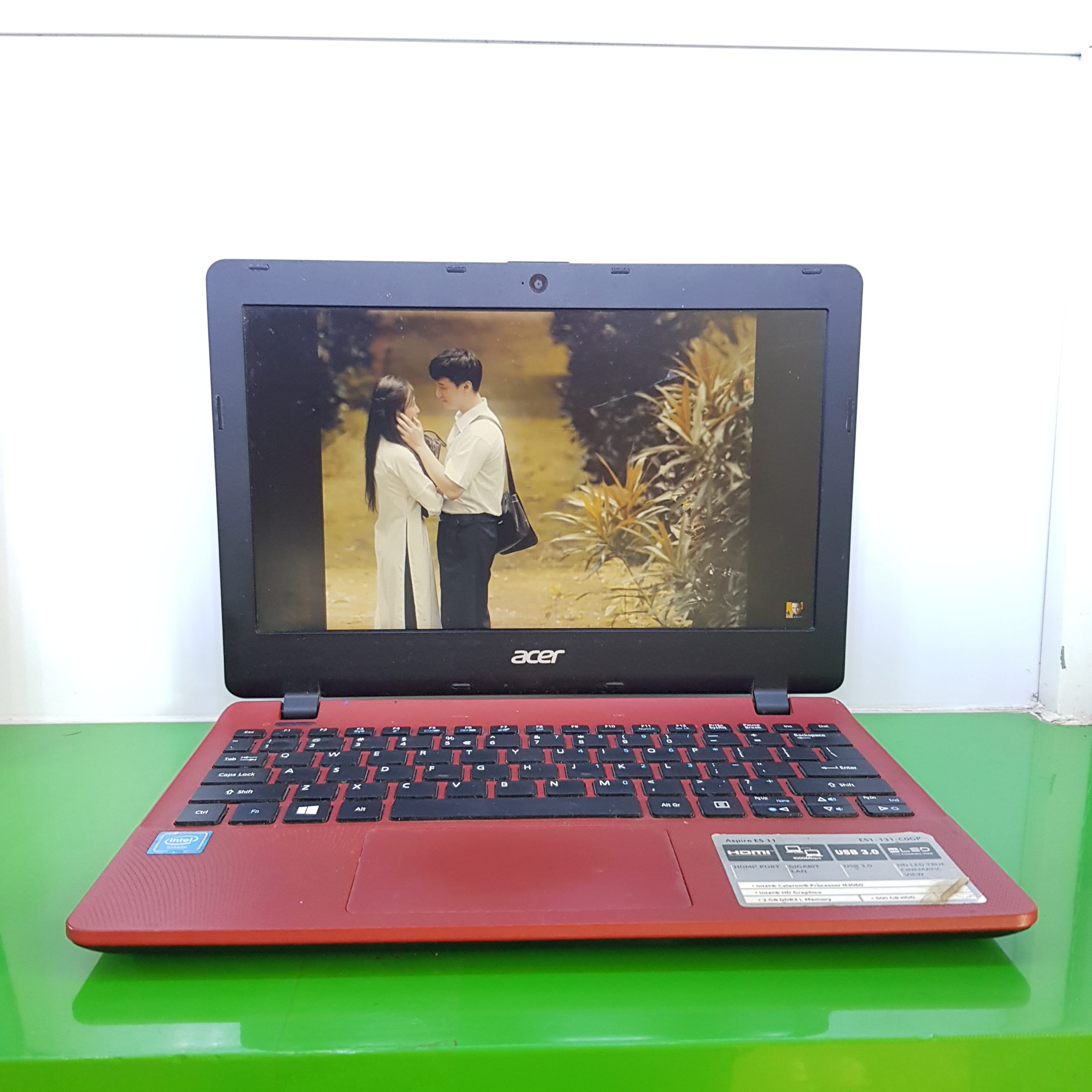 Laptop Acer ES1-131