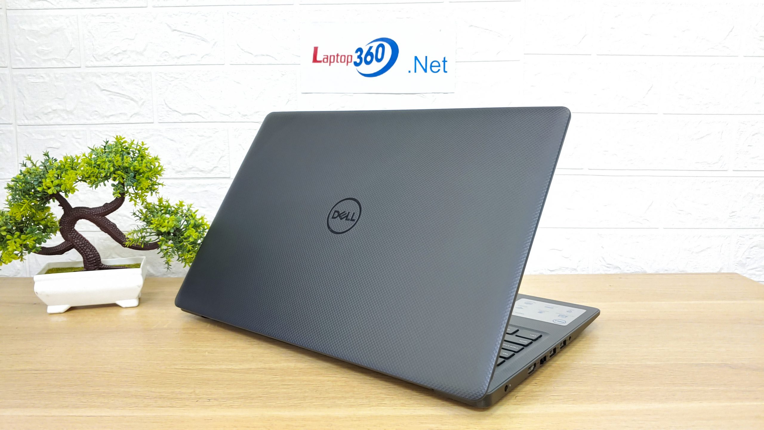 Laptop Dell V3580