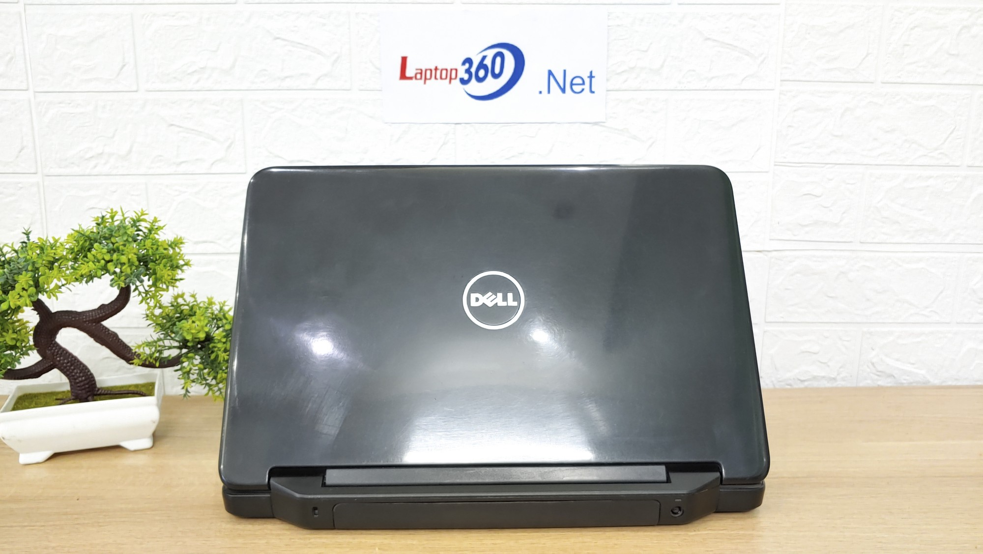 Laptop Dell N5040