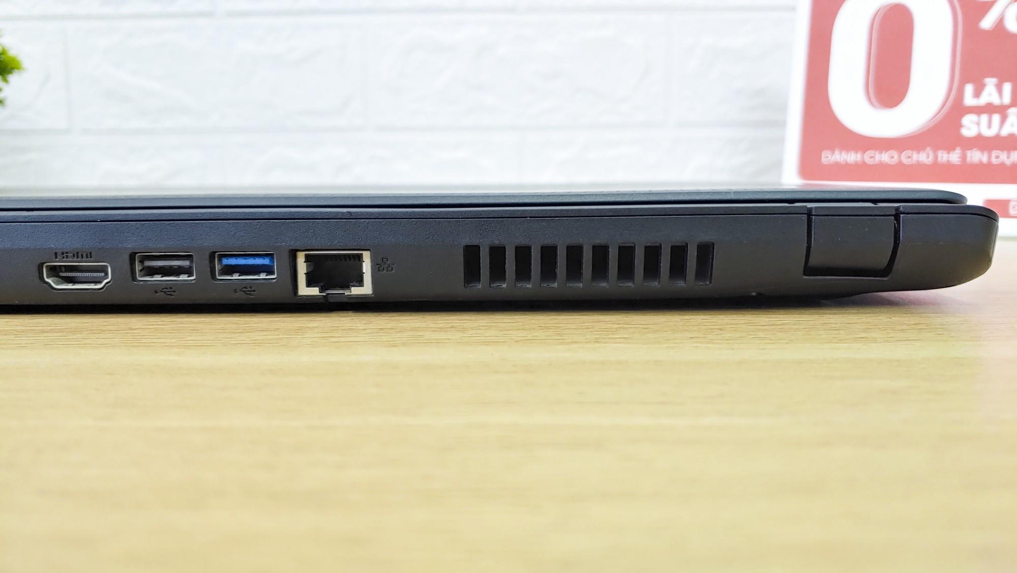Laptop Acer ES1-533