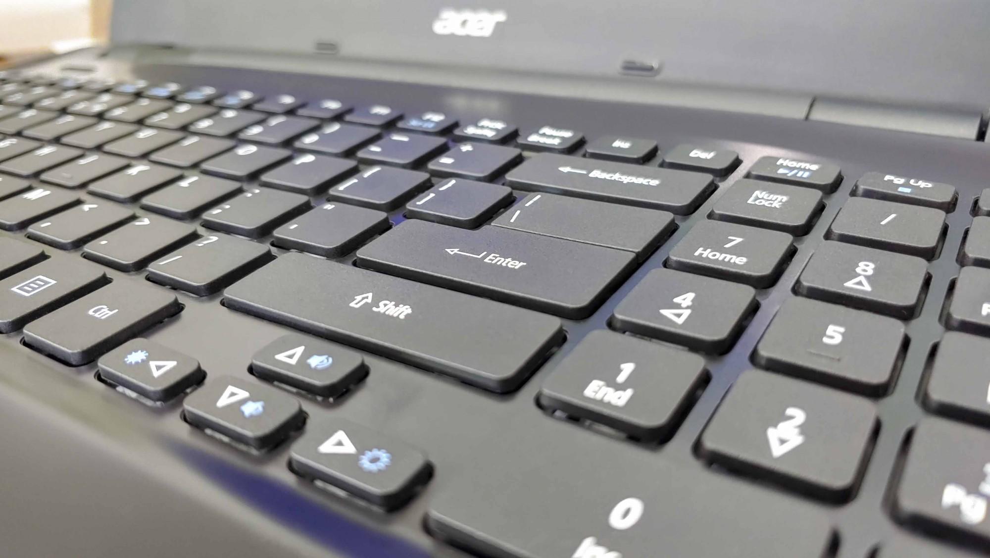 Laptop Acer E5-571