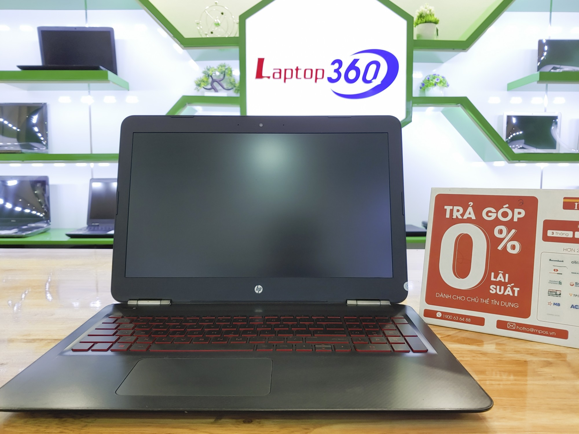 Laptop HP 15 - AX253TX
